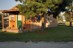 North River Campground offers cabin rentals located near Elizabeth City, The Outer Banks and Hampton Roads.